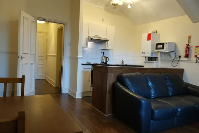 Thumbnail Flat to rent in Sketty Road, Swansea