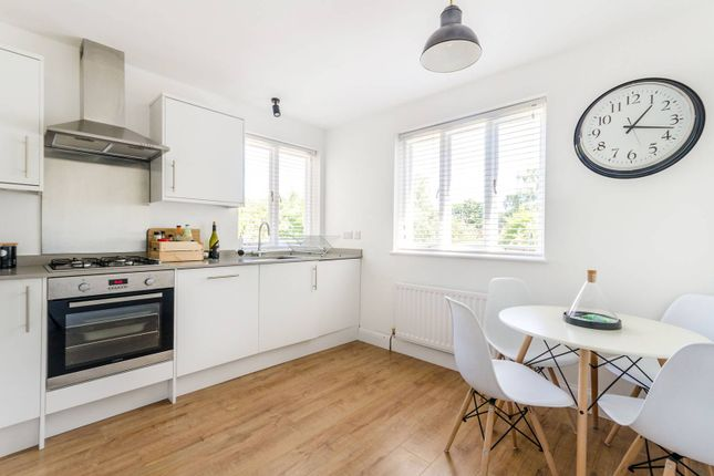 Thumbnail Flat to rent in Mavelstone Road, Bromley
