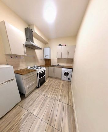 Thumbnail Flat to rent in S End, South Croydon