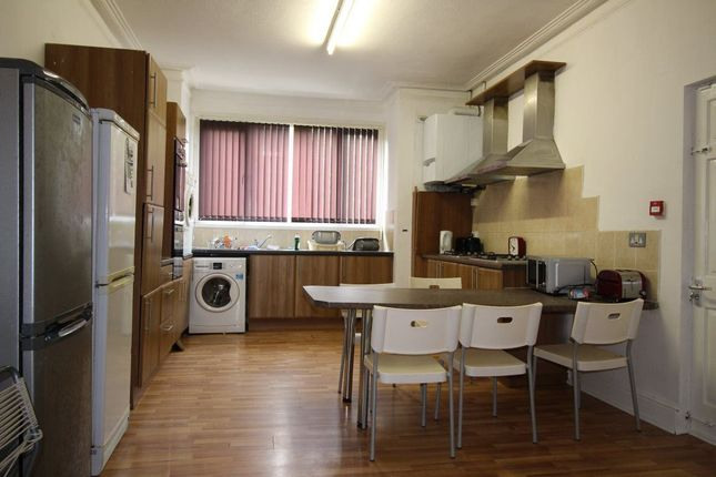Thumbnail Property to rent in Curzon Avenue, Longsight, Manchester