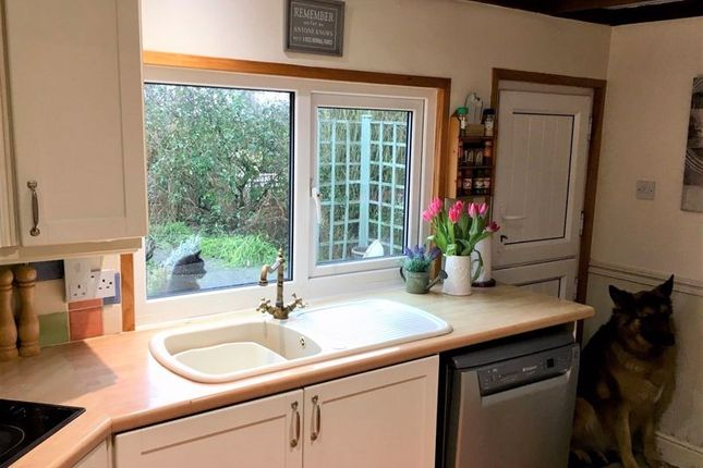 Kitchen of Main Street, Scothern, Lincoln LN2