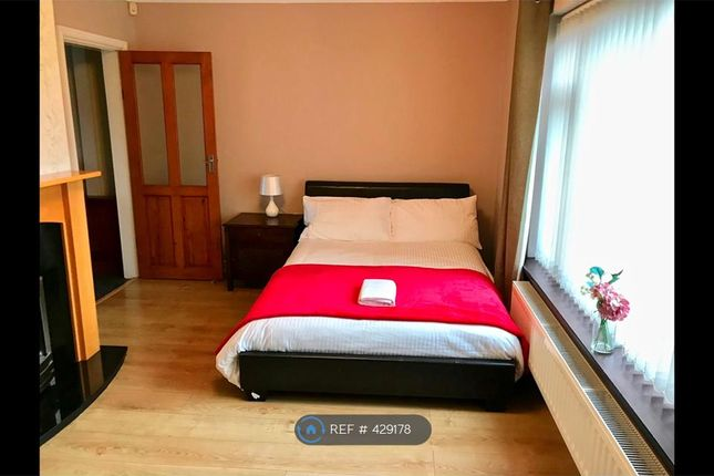 Thumbnail Room to rent in Housefield Road, Stoke-On-Trent
