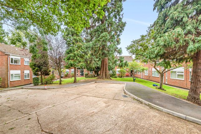 Picture No. 20 of Burhill Grove, Pinner, Middlesex HA5