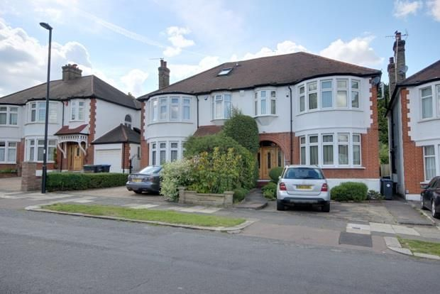Thumbnail Property to rent in Woodland Way, London
