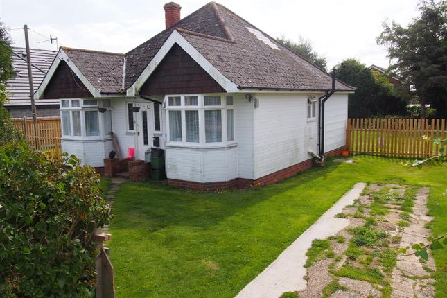3 bed detached bungalow to rent in Pebsham Drive, Bexhill-On-Sea