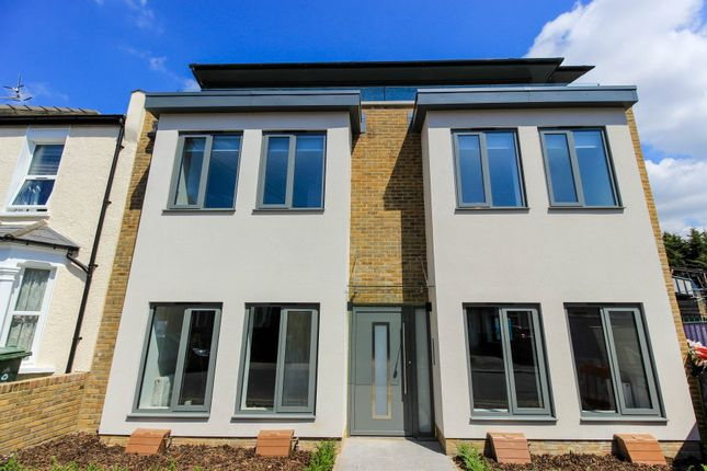 Thumbnail Flat to rent in Stanley Road, London