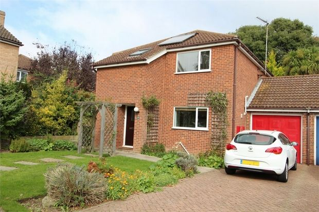 Thumbnail Detached house for sale in Grange Way, Broadstairs