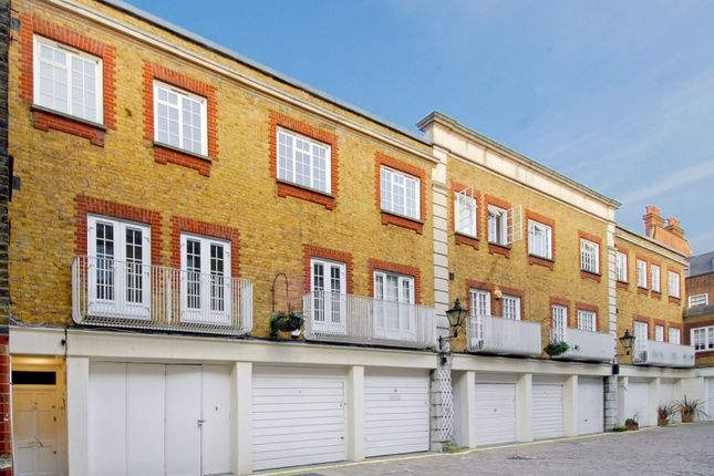 2 bed flat for sale in Devonshire Close, Marylebone Village, London