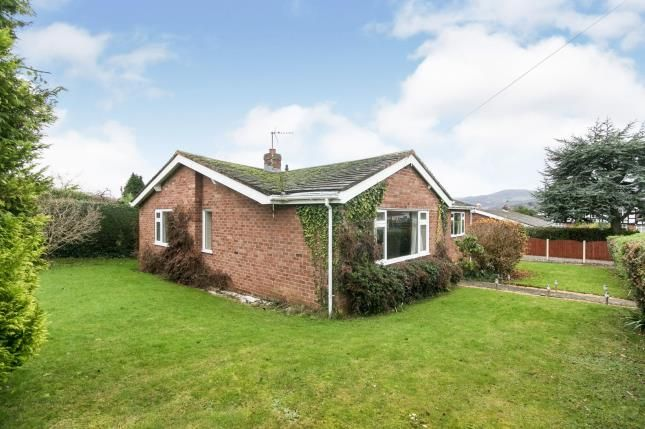 Thumbnail Bungalow for sale in Overlea Crescent, Deganwy, Conwy, North Wales