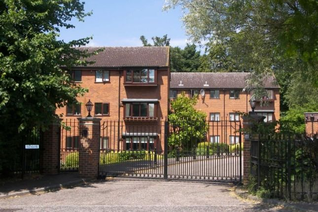 2 bed flat for sale in Fernbank, Buckhurst Hill, Essex