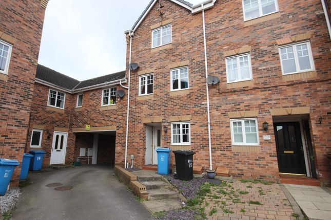 Terraced house to rent in Haigh Park, Kingswood, Hull