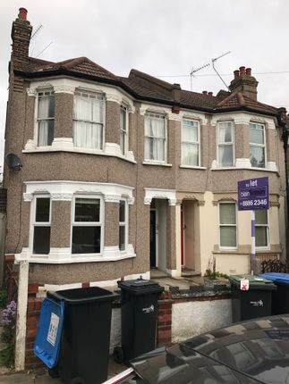 2 bed flat to rent in Beech Road, New Southgate