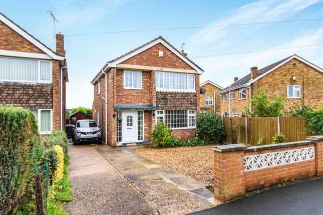 Thumbnail Detached house for sale in Ravendale Road, Gainsborough