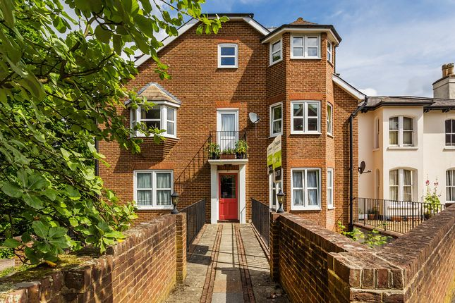 1 bed flat for sale in Upper Bridge Road, Redhill