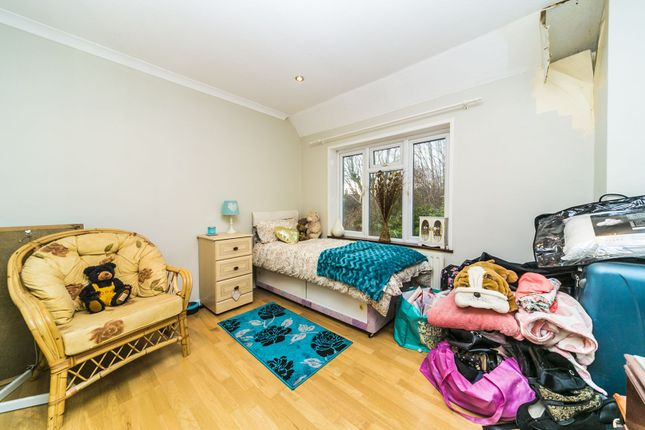Bedroom of Broadcoombe, South Croydon CR2