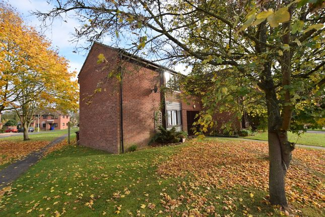 Flat to rent in Weston Way, Newmarket