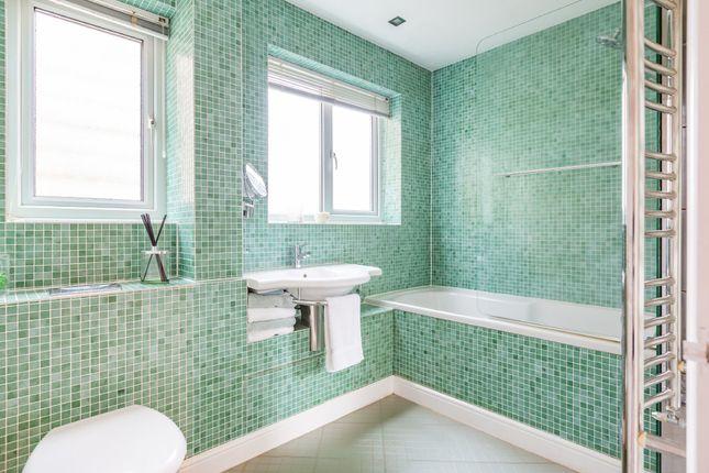 Bathroom of Merton Avenue, Hartley, Longfield DA3