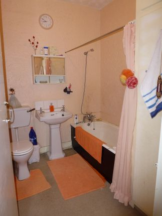 Bathroom of Slater Lane, Leyland PR25