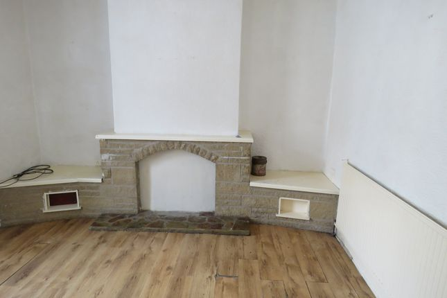 2 bed property to rent in Lonsdale Street, Oswaldtwistle, Accrington BB5