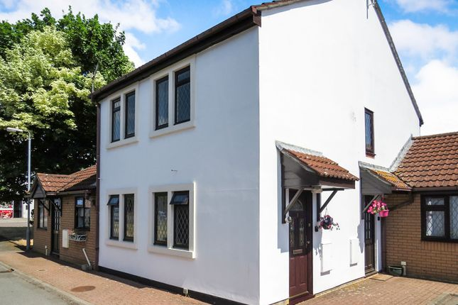 Thumbnail Flat for sale in Cherry Tree Court, Calne