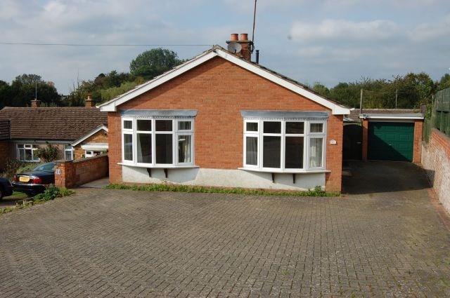 Detached bungalow for sale in Parkfield Road, Long Buckby, Northampton