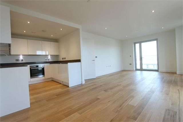 Thumbnail Flat to rent in Love Lane, Woolwich Arsenal