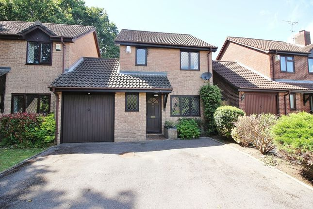 Thumbnail Link-detached house for sale in Stirling Crescent, Hedge End, Southampton