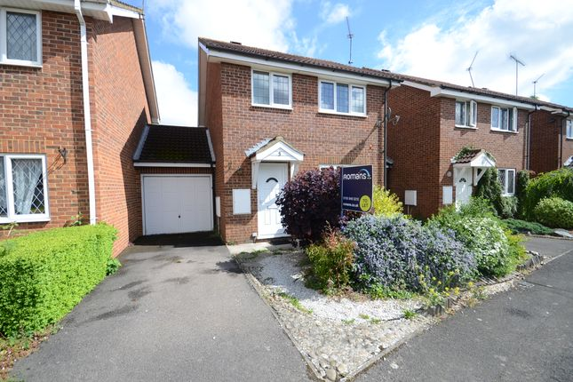 Thumbnail Link-detached house to rent in The Willows, Caversham, Reading