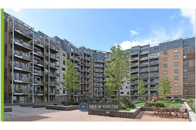 2 bed flat to rent in Restell Close, Greenwich SE3