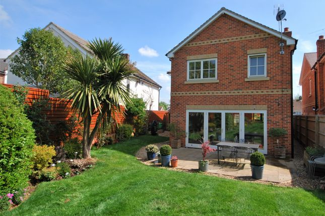Thumbnail Detached house to rent in Manor Road, Henley-On-Thames