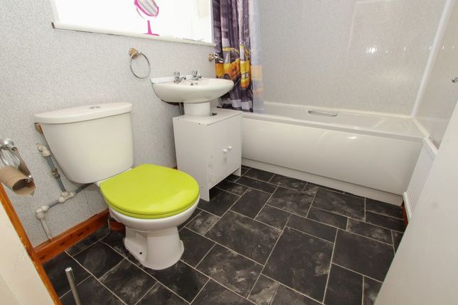 Bathroom of Tyne Street, Loftus, Saltburn-By-The-Sea TS13