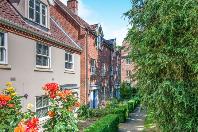 Thumbnail Terraced house for sale in The Willows, Norwich