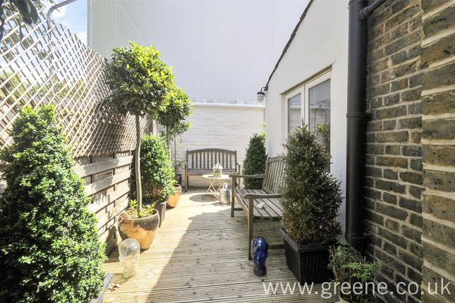 Picture No. 03 of St. Johns Terrace, London W10