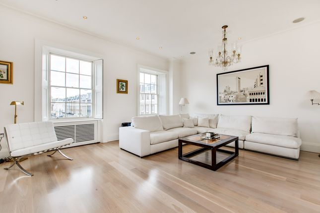 2 bed flat for sale in Upper Belgrave Street, London
