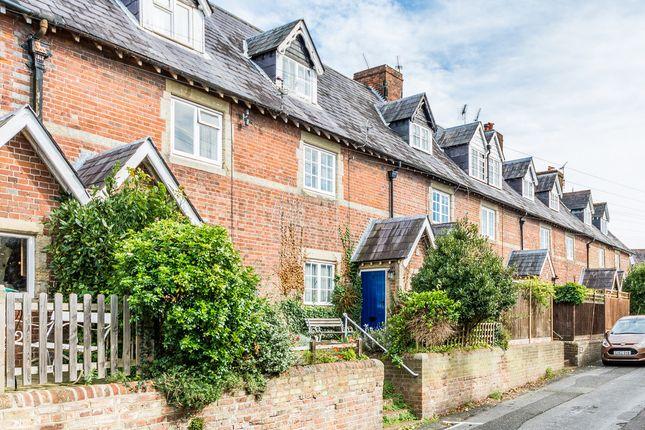 Thumbnail Cottage for sale in Bond Street, Arundel