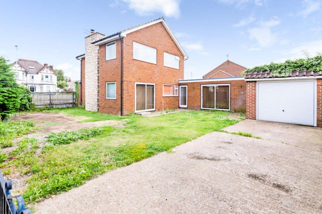 Thumbnail Detached house for sale in London Road, Sittingbourne