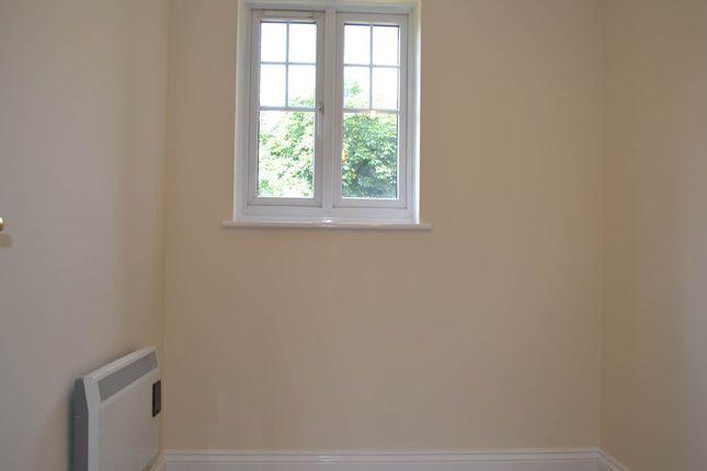 Bedroom 2 of Harbury Court, Queens Road, Newbury RG14