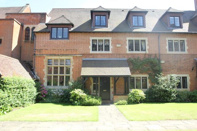 Thumbnail Mews house to rent in Oldfield Wood, Woking
