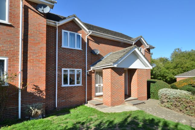 Thumbnail Maisonette for sale in Thornfield Green, Blackwater, Camberley