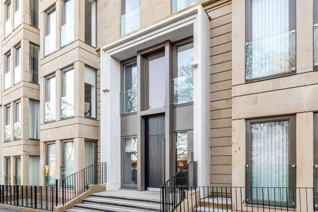 Thumbnail Flat for sale in Park Quadrant, Glasgow