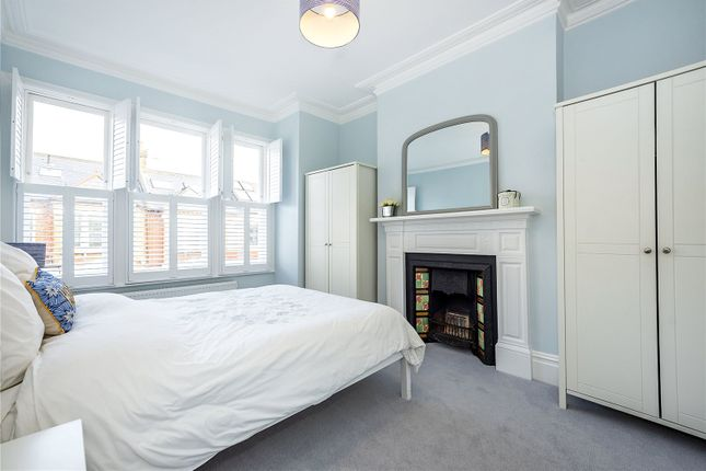 Picture No. 14 of Hazelbourne Road, London SW12
