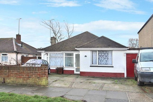 Thumbnail Bungalow to rent in North Farm Road, Lancing