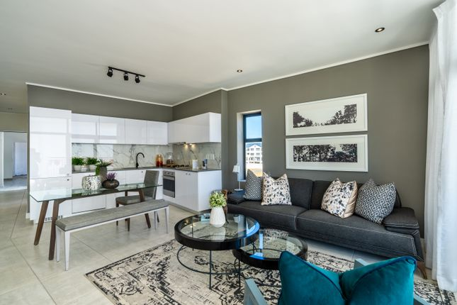 Thumbnail Apartment for sale in De Beers Avenue, Paardevlei, Somerset West, Strand, Western Cape, South Africa