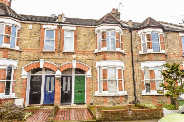 Thumbnail Flat for sale in Blanmerle Road, London