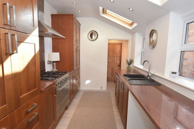 3 bed terraced house to rent in Bromsgrove Road, Batchley, Redditch B97