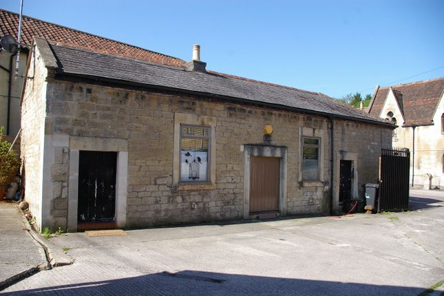 Thumbnail Cottage to rent in Frome Road, Bradford On Avon