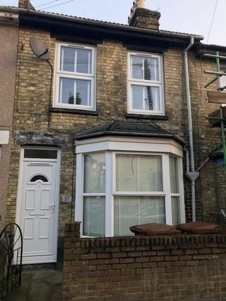 Thumbnail Terraced house to rent in Rochester Avenue, Rochester