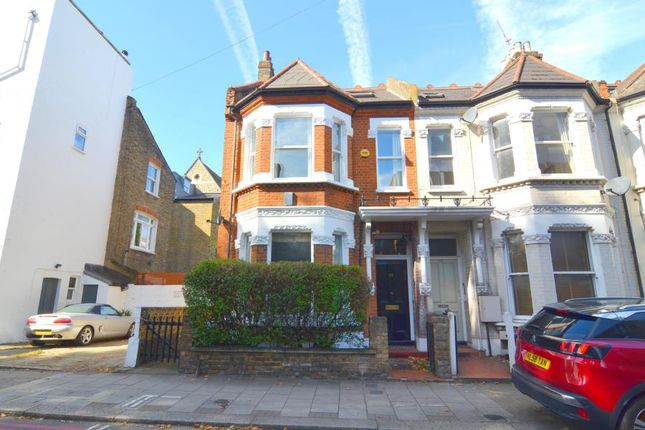 Thumbnail Flat to rent in Elspeth Road, Battersea