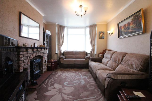 Living Room of North Road, Hull HU4