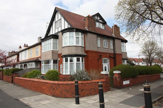 Flat to rent in Ilford Avenue, Crosby, Liverpool